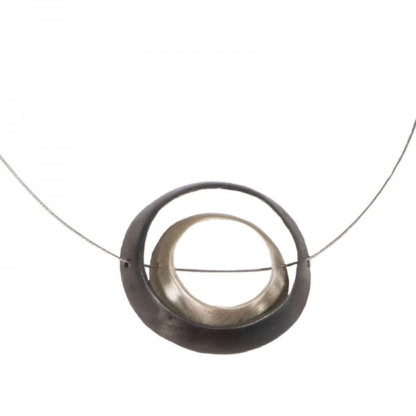 AD Unique Silver Necklace Circles on Collar
