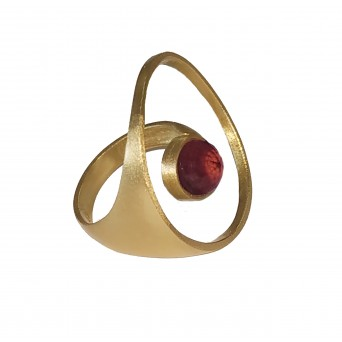 ARTE Silver statement circle ring with gold, quartz, ruby