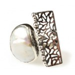 Efstathia Handmade silver ring with white fresh water pearl