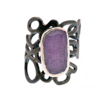 Efstathia Silver ring with purple stichtite and quartz