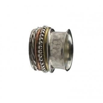 Jt Ασημένιο πλατύ σφυρήλατο δαχτυλίδι με βέρες