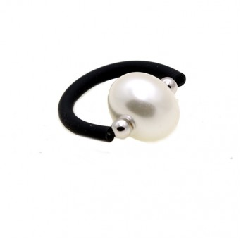 Jt silver solitaire ring with white shell pearl and black rubber