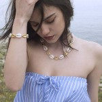 Jt Gold Bronze and white Seashells necklace and bracelet