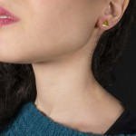 Jt Ασημένια επίχρυσα καρφωτά σκουλαρίκια τρίγωνα
