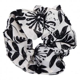 AD Impressιve handmade black&white flower scrunchie