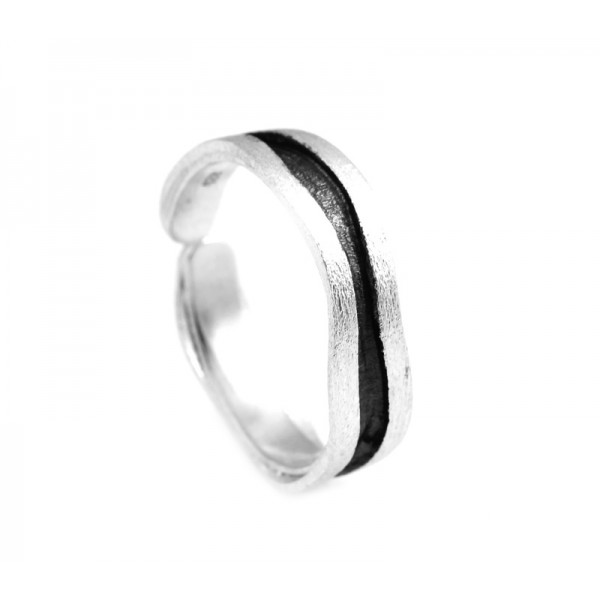 Stelios Ασημένιο δαχτυλίδι βέρα κυματιστή μαύρο πλατίνωμα