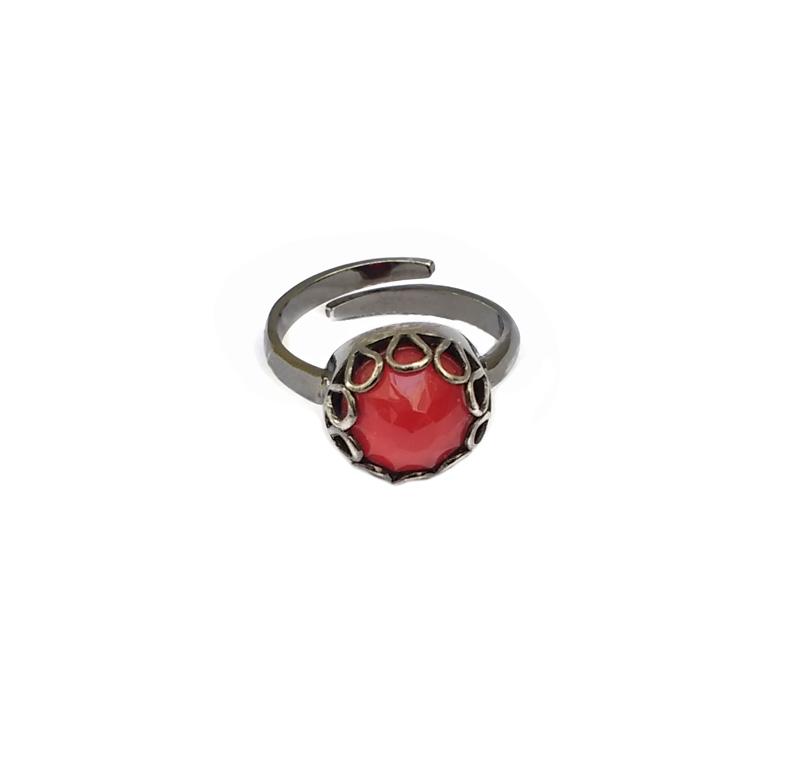 Aetoma Ασημένιο μονόπετρο δαχτυλίδι με κόκκινο χαλαζία