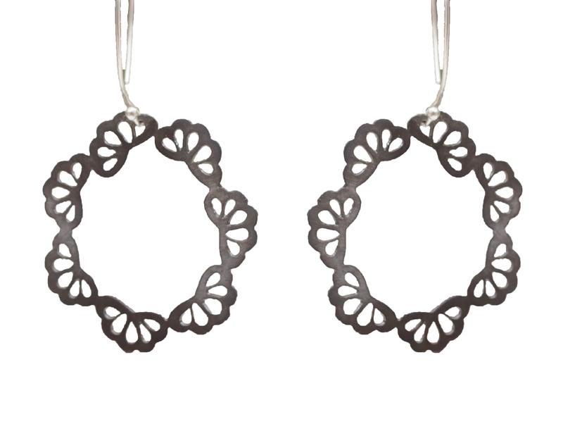 Antria Ασημένια σκουλαρίκια κρίκοι από μαύρο ασήμι