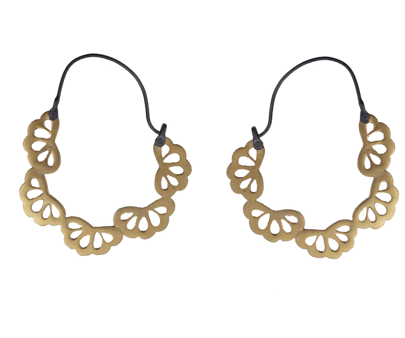 Antria Ασημένια σκουλαρίκια κρίκοι από μαύρο και χρυσό ασήμι