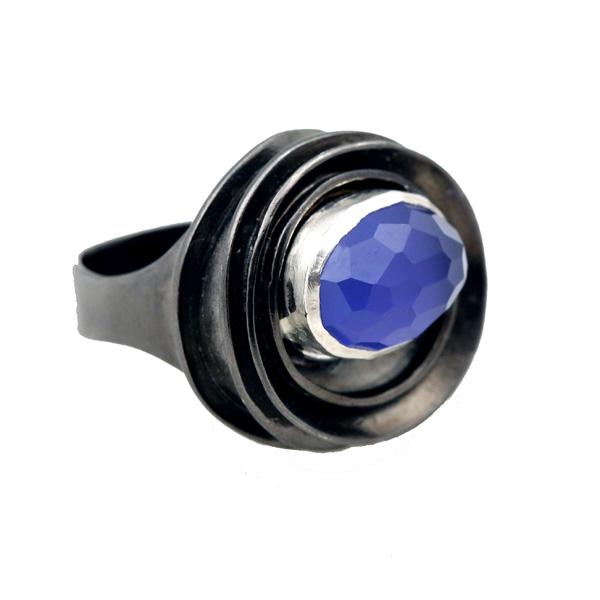 Efstathia Ασημένιο δαχτυλίδι με ταγιέ από μπλε αχάτη και χαλαζία
