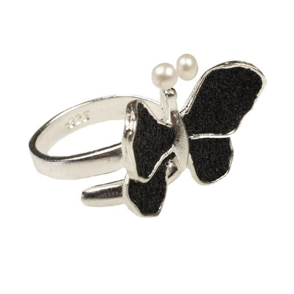 Joy Ασημένιο δαχτυλίδι πεταλούδα, μαύρη λάβα & μαργαριτάρι