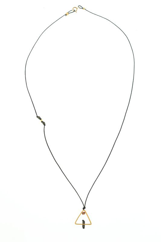Jt Ασημένιο κολιέ επιχρυσωμένο τρίγωνο σε κορδόνι