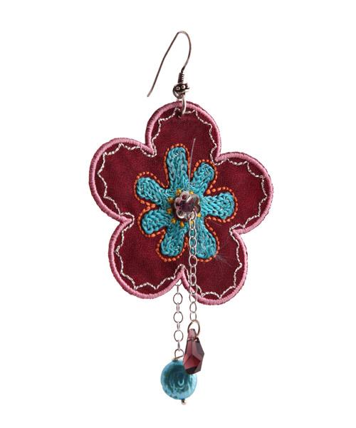 Jt Ασημένιο κρεμαστό μονό σκουλαρίκι μαύρο λουλούδι