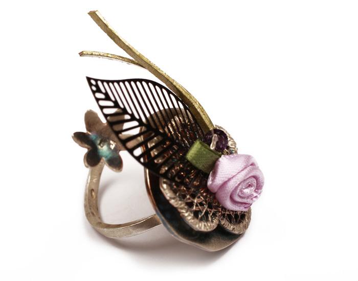 Krini Ασημένιο δαχτυλίδι λουλούδι με μαύρο φύλλο & μωβ Swarovski