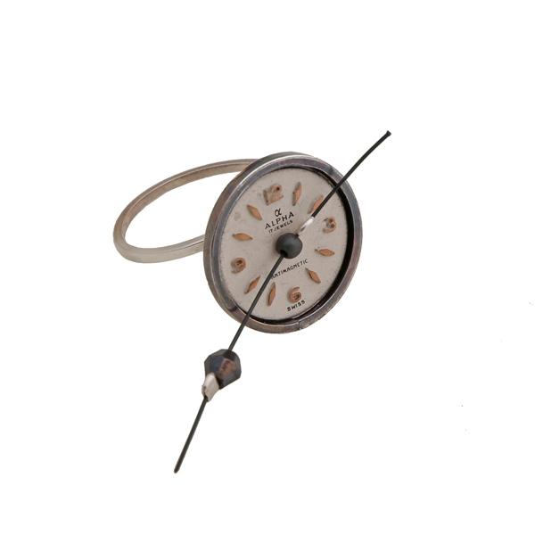 Krini Ασημένιο στρογγυλό δαχτυλίδι με vintage ρολόι