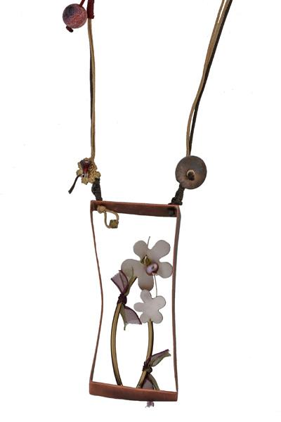 Krini Ασημένιο μακρύ κολιέ λουλούδια σε κορνίζα